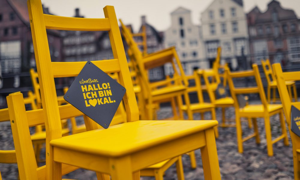 Der Gelbe Stuhl